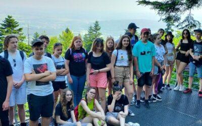 Ostatnia wspólna wycieczka klasy VIII w Góry Świętokrzyskie